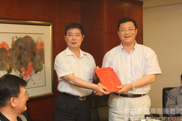 http://cpsmedia.oss-cn-shenzhen.aliyuncs.com/uploadfile/2013/0606/20130606103139423.jpg